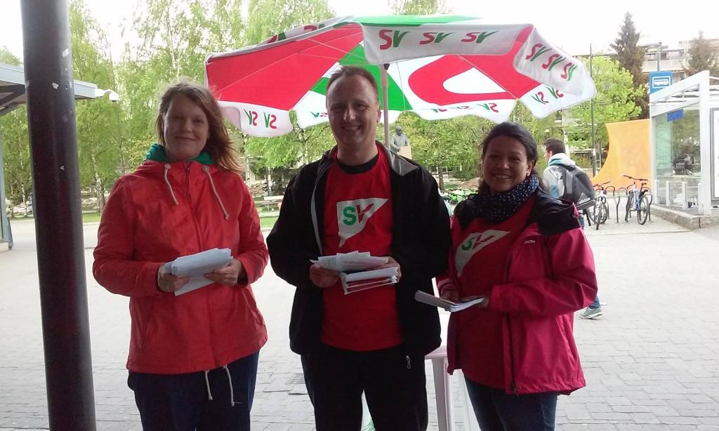 Representanter for Alna SV på stand på Furuset våren 2015