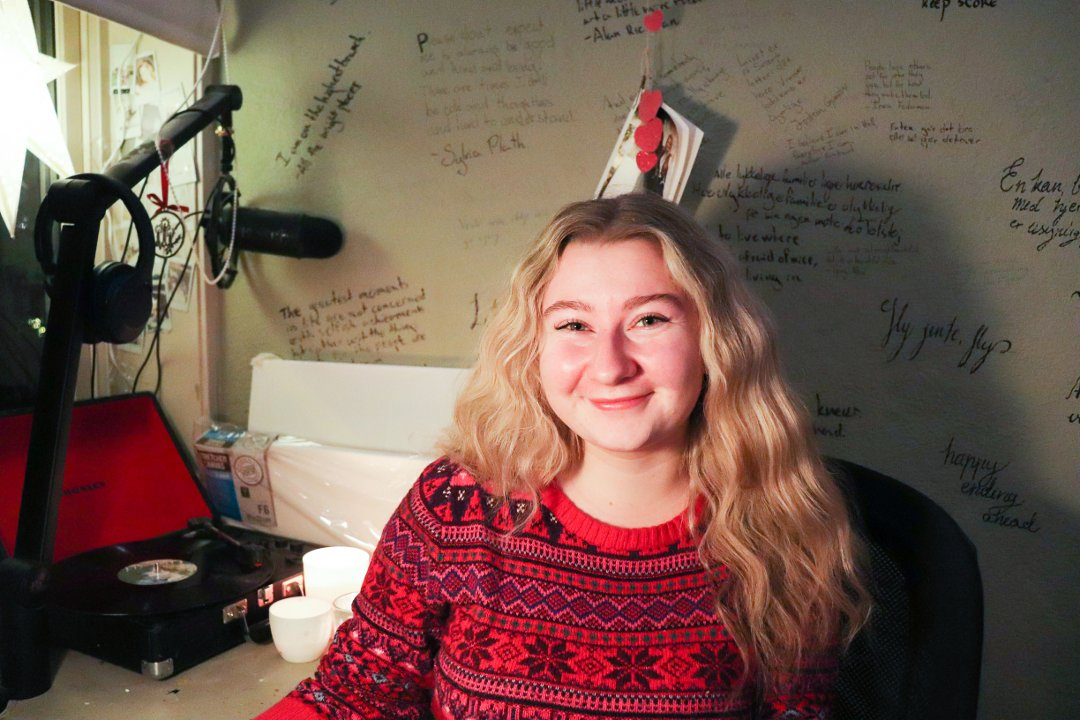 Anne Høie Guettler (19) hadde knapt startet på skolen da Lene Conradi ble ordfører for første gang i Asker.