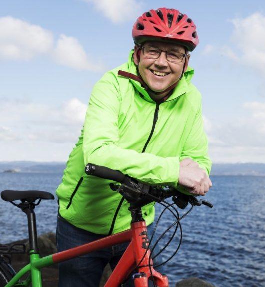 Stortingskandidat Torgeir Strøm med Sykkel. Foto
