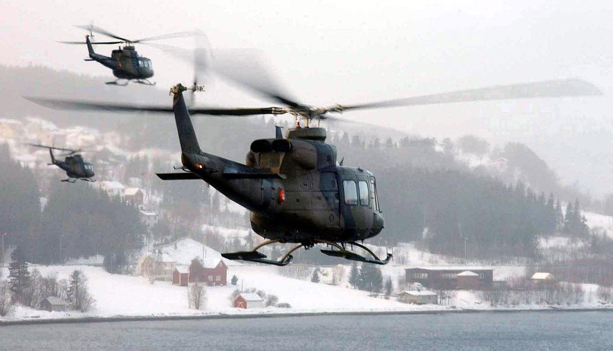 Bell-helikoptere under øving i Norge. Foto